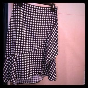 Gingham black and white skirt